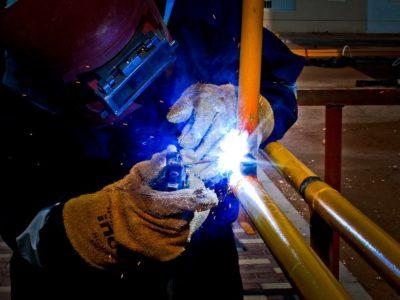 Práce v kovovýrobě